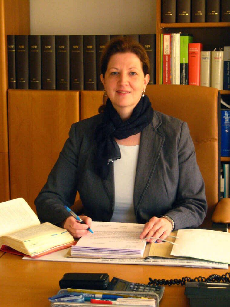 Rechtsanwältin Ulrike Retzer in Wallersdorf